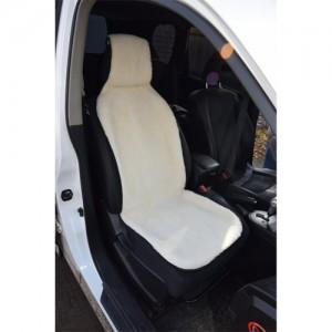 Меховая накидка на сиденье автомобиля